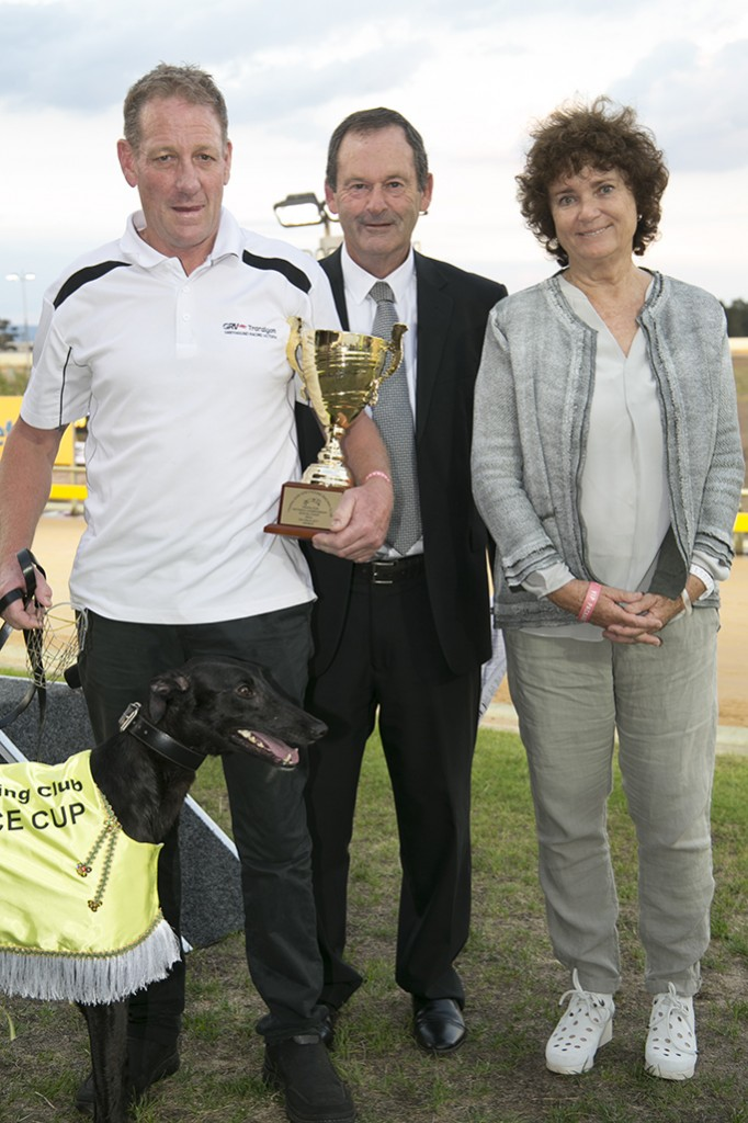 It's A Fling with handler Des  Douch, Traralgon GRC President Don Haley, and GRV Deputy Chair Judith  Bornstein
